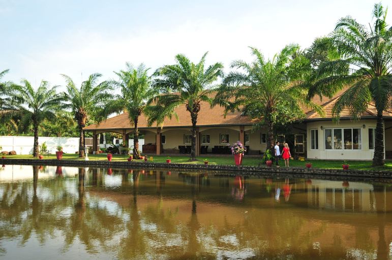 Blue Lagoon Pool Villa, Bang Lamung