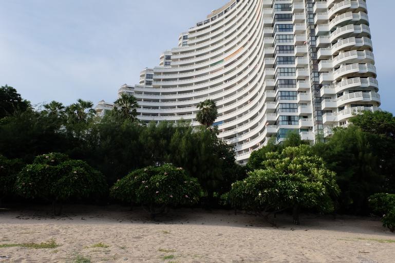 Payoon Garden Cliff Condominium, Ban Chang