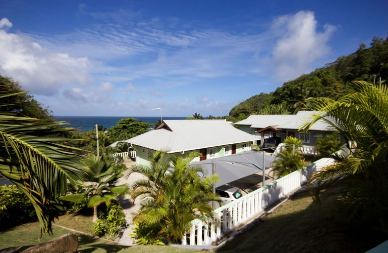 Surfers Self-Catering Chalets,