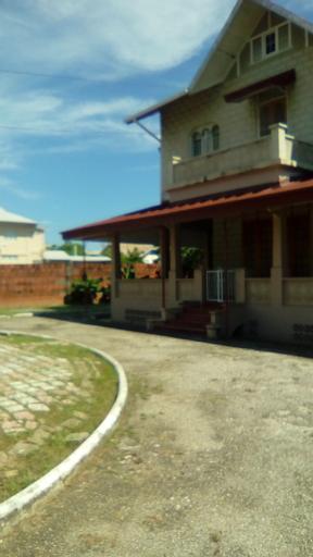 Robert's Guesthouse,