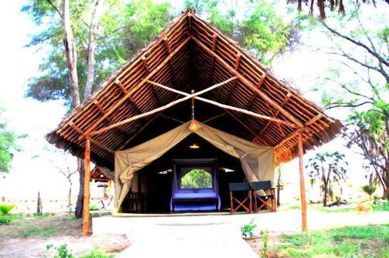 Doa Doa Safari Club, Kitui South