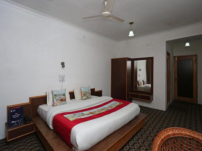OYO 4759 Nishat Hill Resort, Srinagar
