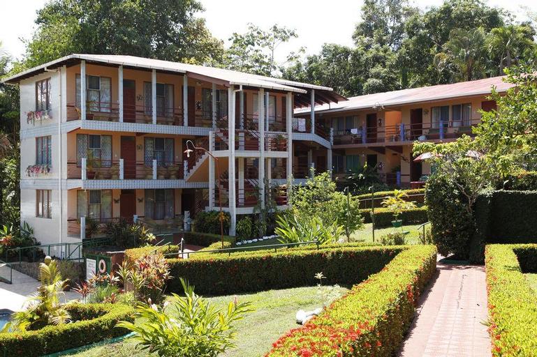 Hotel Divisamar, Aguirre