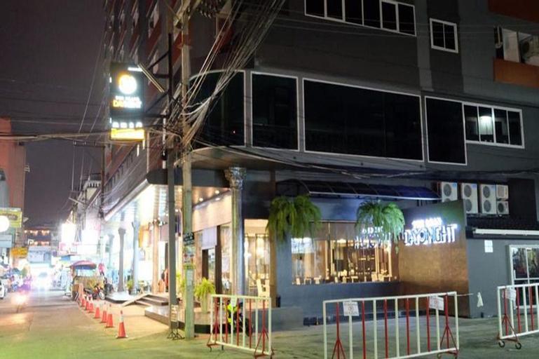 The Grand Day Night, Pattaya
