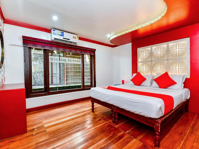 OYO 23434 Royal Palace 4bhk Premium Houseboat, Alappuzha
