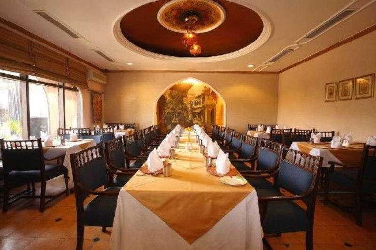 Hotel 32nd Milestone, Gurgaon