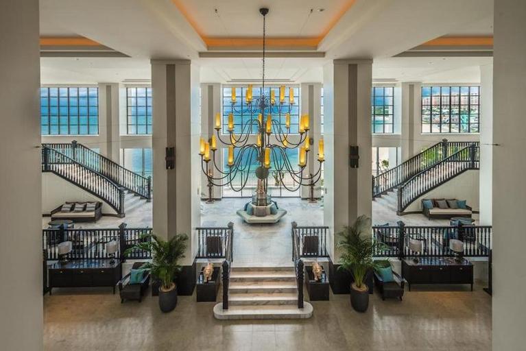 Hotel Monterey Okinawa Spa and Resort, Onna