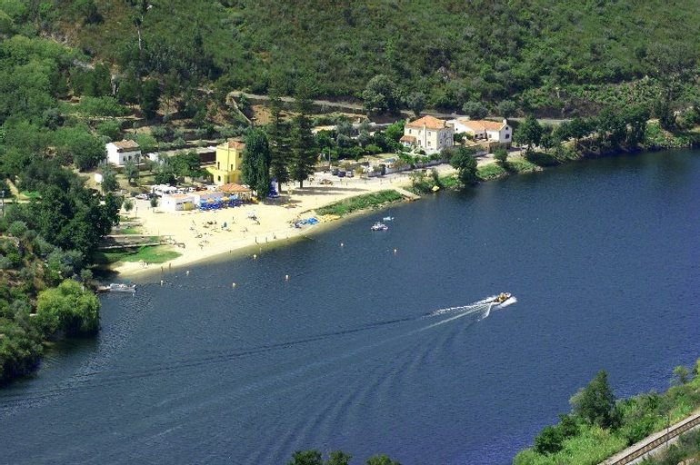Almaral River Club, Gavião