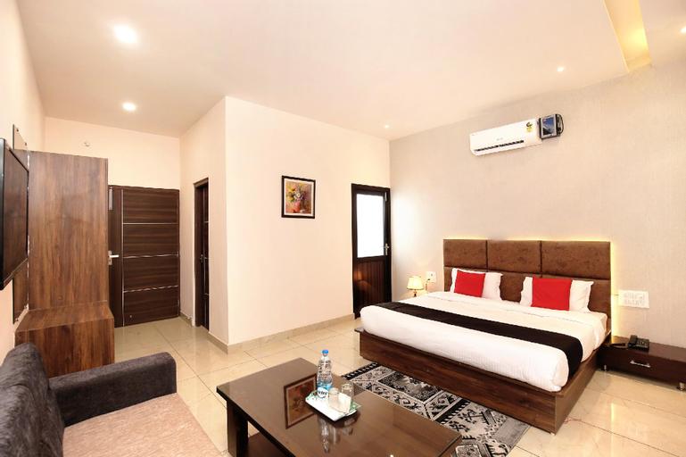 Capital O 37473 Park Manila Resorts, Shahid Bhagat Singh Nagar