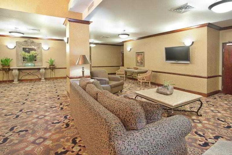Holiday Inn Express & Suites Barstow-Outlet Center, San Bernardino