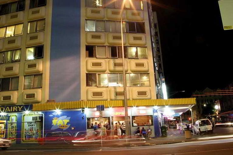 Fat Camel Hostel & Bar, Waitakere
