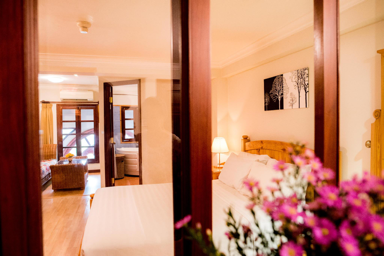 BA TRA HOUSE - APARTMENT with Balcony/big window., Quận 3