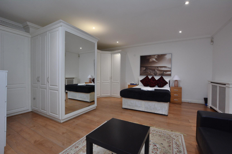 HPG GuestHouse, London