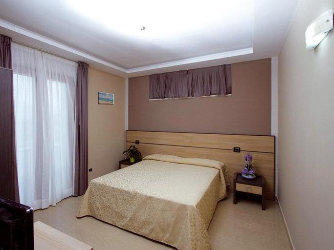 Hotel Nelton, Salerno