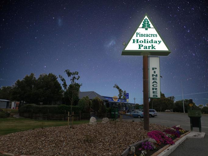 Pineacres Motel and Park, Waimakariri