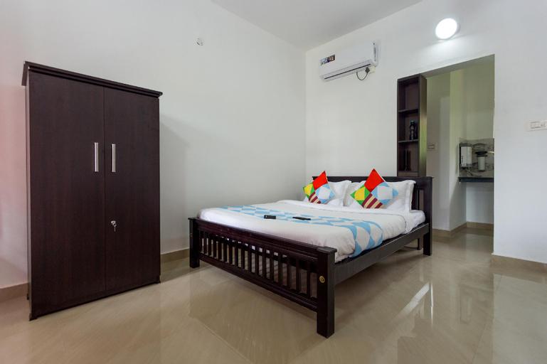 OYO 16748 Spacious Studio, Ernakulam