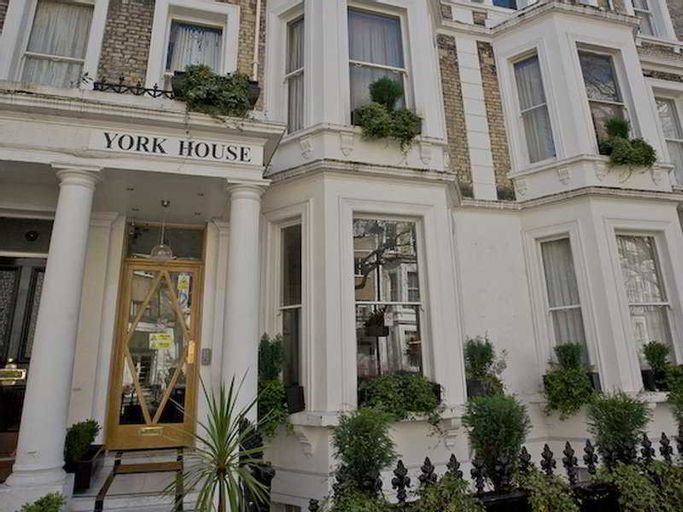 Dylan Apartments Earls Court, London