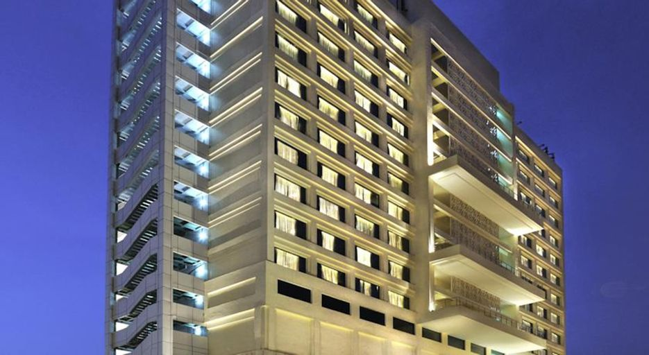 Holiday Inn Hotel New Delhi Noida Mayur, West