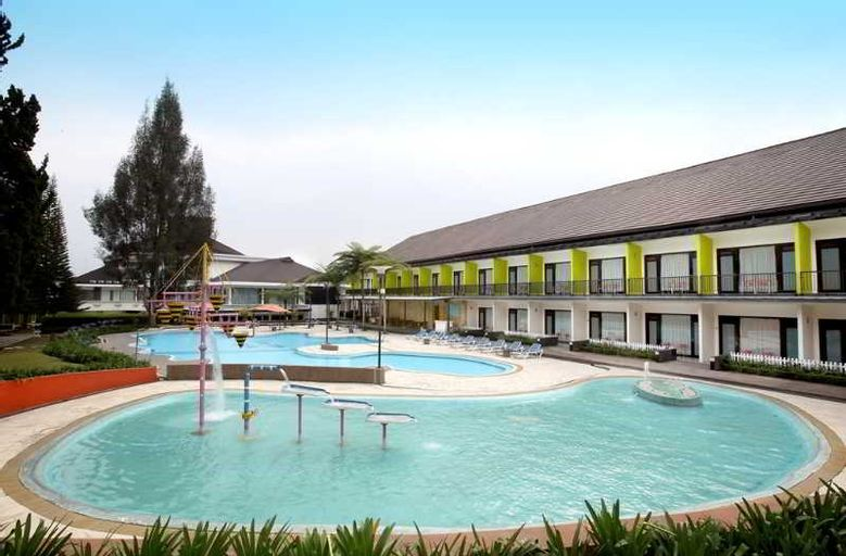 Mikie Holiday Resort, Karo