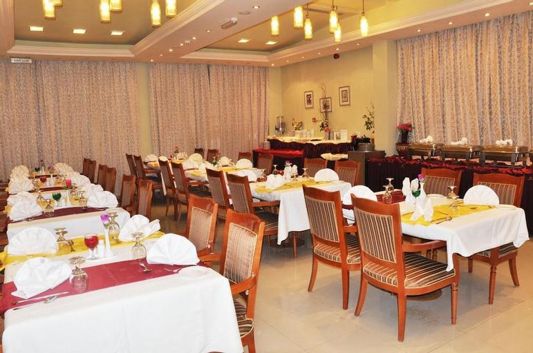 Safeer Plaza Hotel, Bausher
