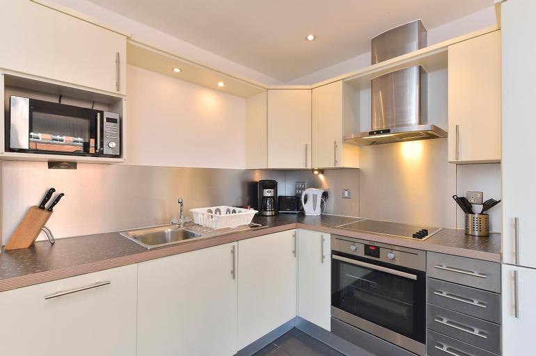 Waterside Níké Apartments, London