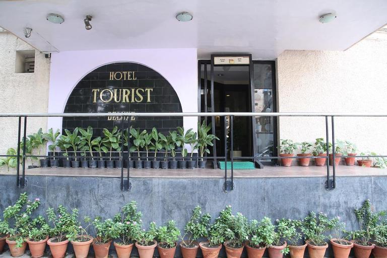 Tourist Deluxe Delhi, West