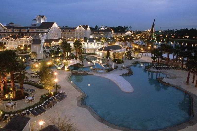 Disney's Beach Club Resort Package, Orange