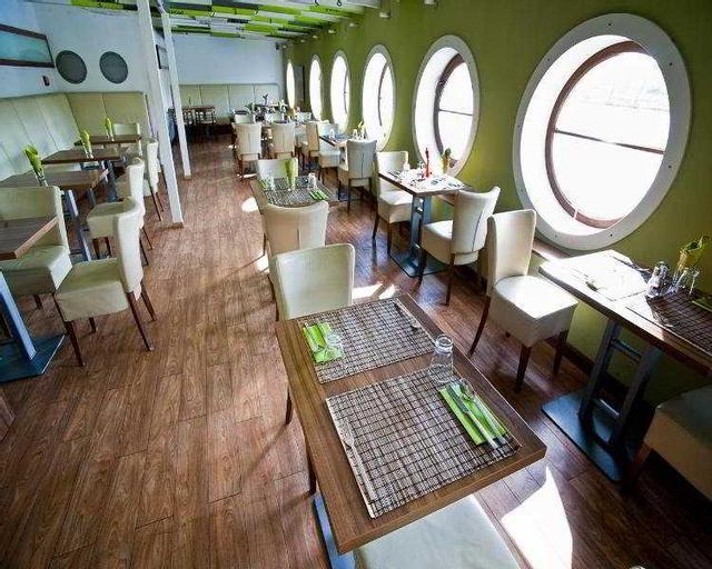 GreenYacht Hotel, Praha 7