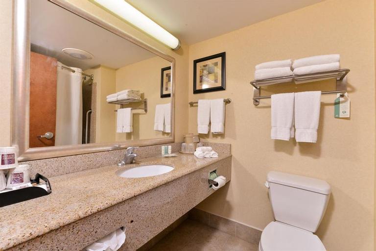 Comfort Suites Near Gettysburg Battlefield Visitor, Adams