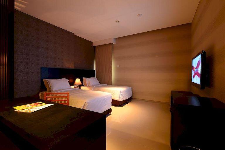 Emilia Hotel By Amazing - Palembang, Palembang