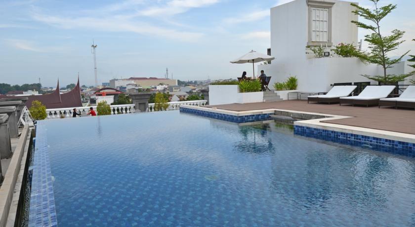 The Axana Hotel Padang, Padang