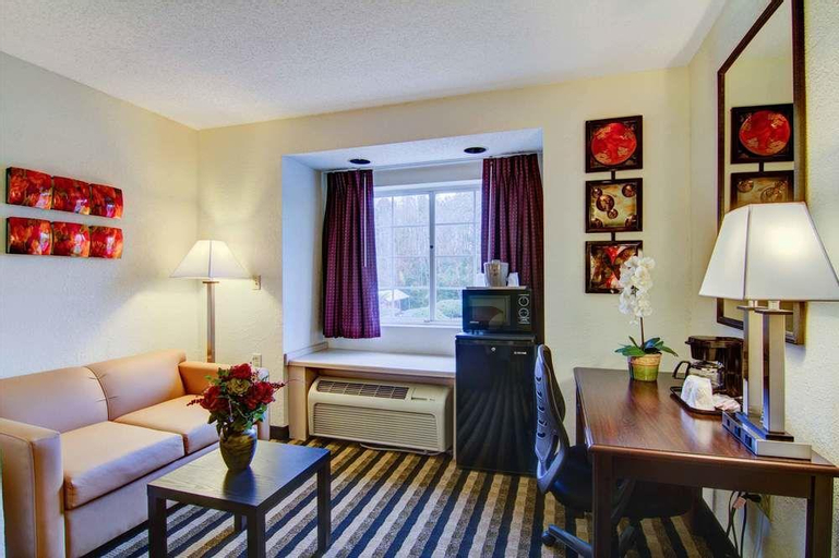 Jacksonville Plaza Hotel and Suites, Duval