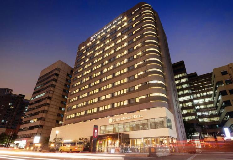 Center Mark Hotel, Jung
