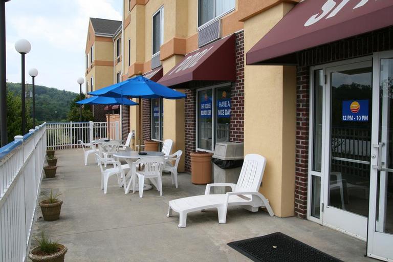 Comfort Inn & Suites Hillsville I-77, Carroll