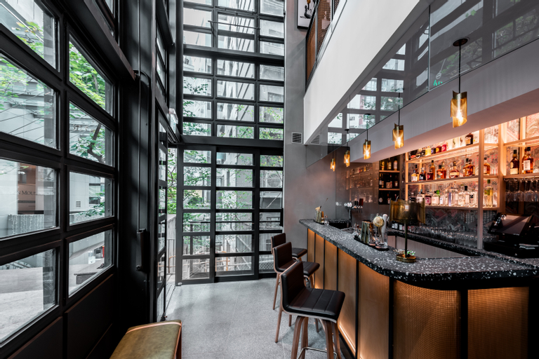 Ovolo Central, Central and Western