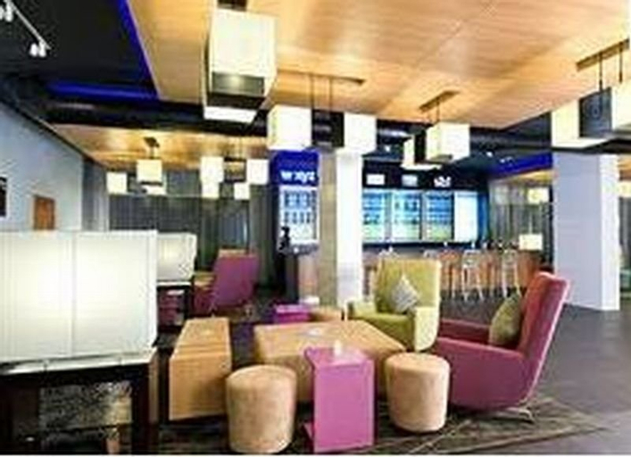Lorenzzo Suites Hotel, Makati City