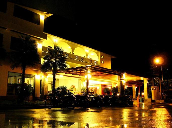 Ladawan Boutique Hotel, Bang Saphan