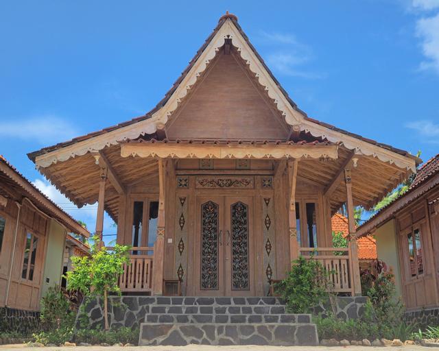 Blue Harbor Beachfront Villas & Resto, Klungkung