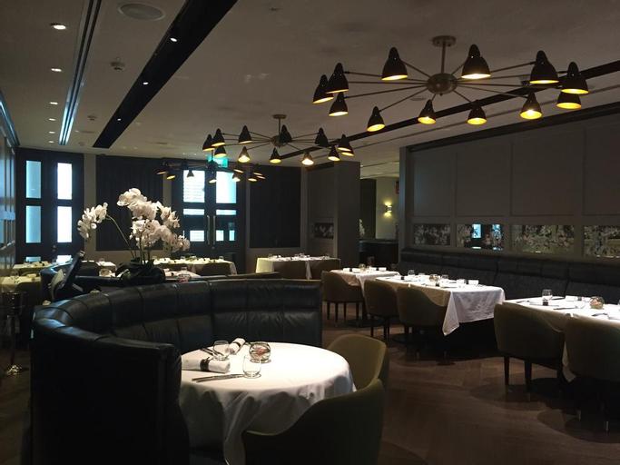 The Club, Singapura