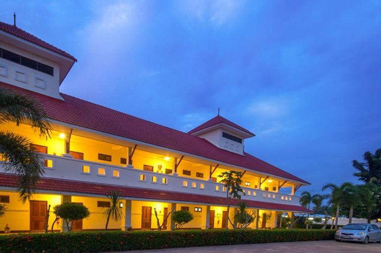 Lake Villa Resort, Bang Lamung