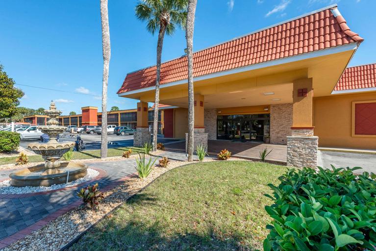 Quality Inn & Suites Riverfront, Putnam