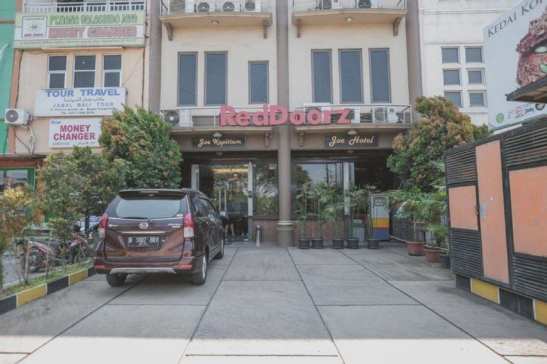 RedDoorz Plus near Soekarno Hatta Airport 2, West Jakarta