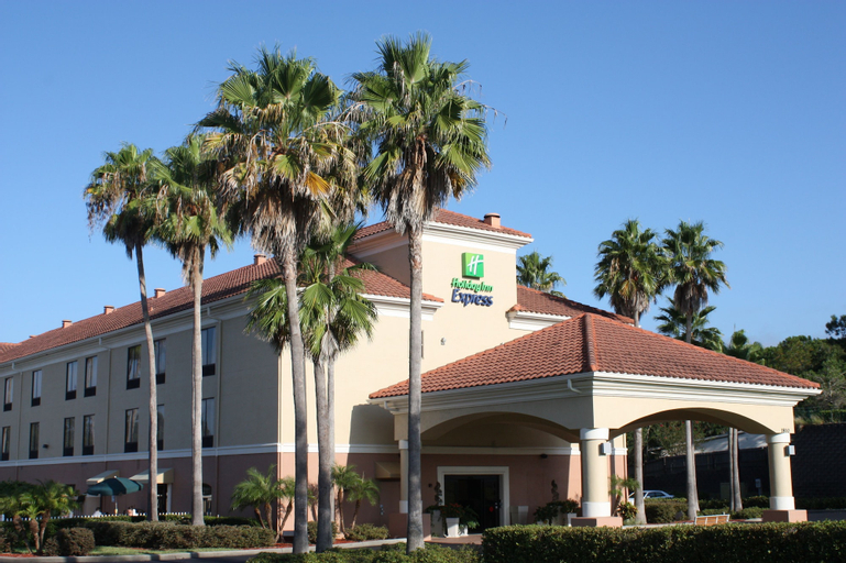Holiday Inn Express Clermont, an IHG Hotel, Lake
