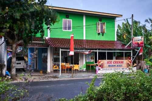 Krui Saejadi Surf Camp, West Lampung