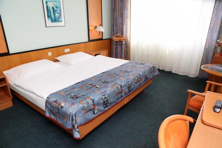 Hotel Cechie Praha, Praha 8