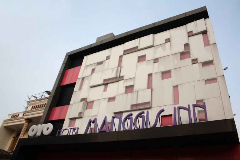 OYO 136 Manggis Inn Near RSU Kecamatan Taman Sari, West Jakarta