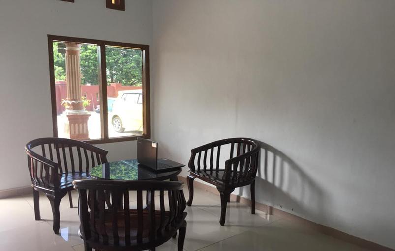 SPOT ON 2766 Kezia Kost, Belitung