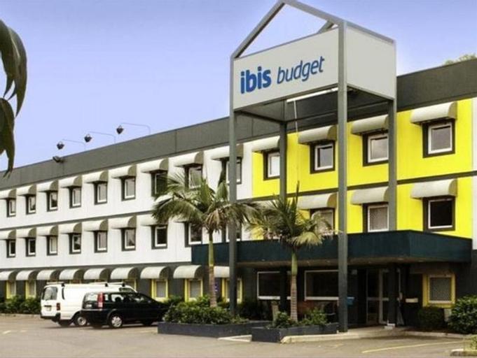 ibis budget Enfield, Strathfield