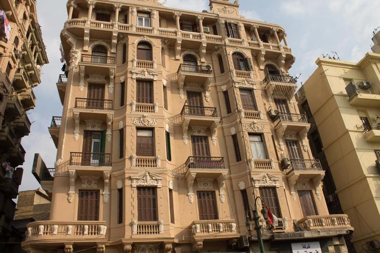 Egyptian Night Hotel, Qasr an-Nil