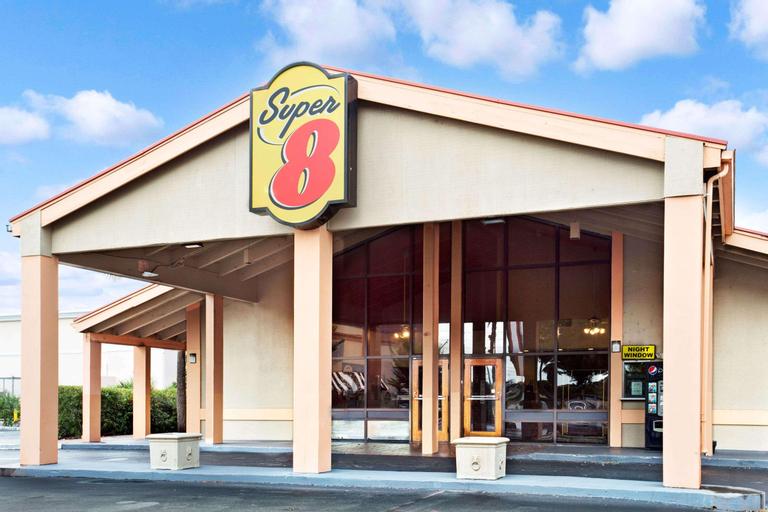 Super 8 by Wyndham Kissimmee/Maingate/Orlando Area, Osceola